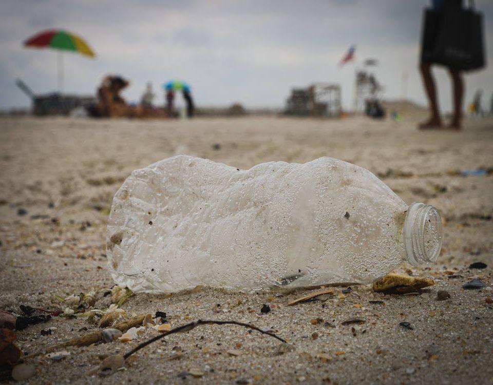 Otto tonnellate di plastica nel mare